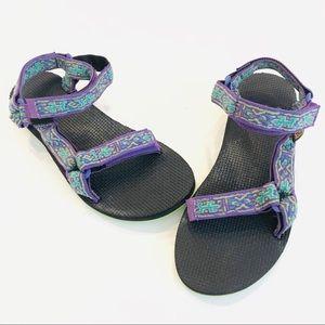 Women's size 8 Teva adjustable purple sandals